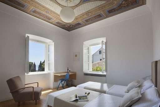 Villa Orti 10 Azure blue room